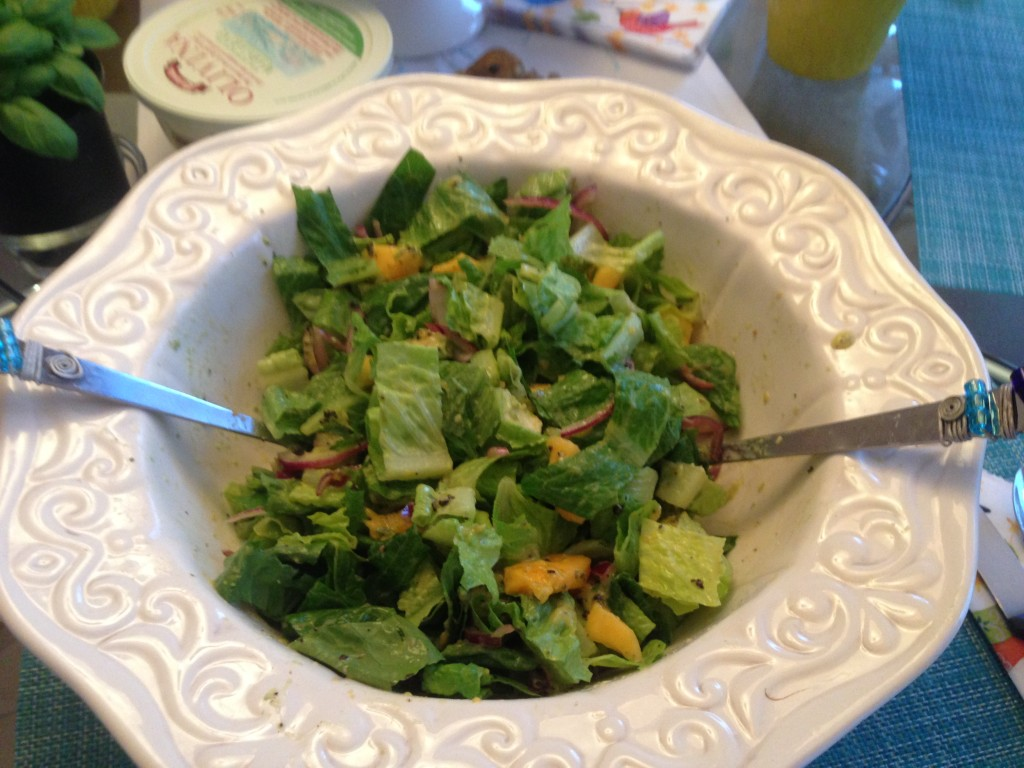 Crowd pleasing Papaya Avocado Salad